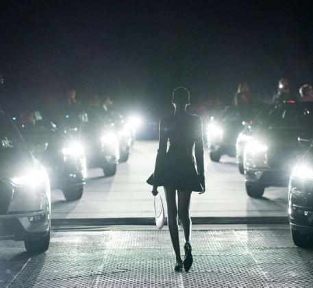 Електромобілі тагібриди DSAutomobiles наТижні моди вПарижі: коли світ високих технологій зустрічається зісвітом високої моди